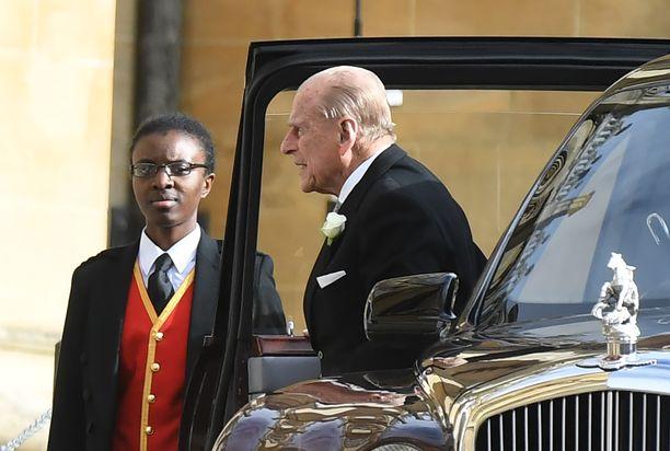 Prinssi Philip selvisi kolarista. Britit kuitenkin huolestuivat siitä, pitäisikö97-vuotiaan enää ajaa autoa.
