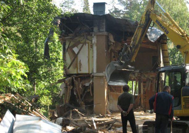 Matti ja Eliina Förstin talo purettiin pitkän kiistelyn jälkeen kerrostalon tieltä.