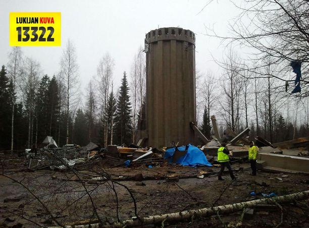 Jyväskylän Kangasvuoren vesitorni romahti viime marraskuussa.