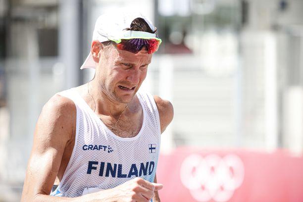 Sapporon kävelykisa perjantaina oli Jarkko Kinnuselle tuskainen.