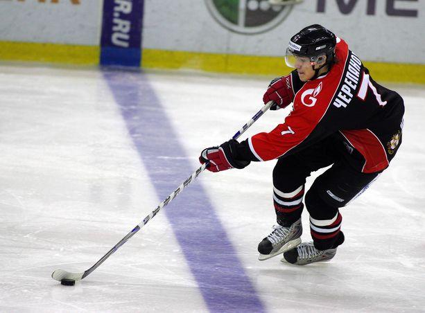 Venäläinen huippulupaus Aleksei Tsherepanov kuoli KHL-ottelussa saamaansa sydänkohtaukseen 13. lokakuuta 2008.