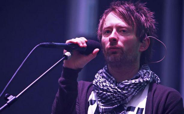Radioheadin (kuvassa laulaja Thom Yorke) lisäksi laajempia oikeuksia musiikkiinsa vaativat muun muassa Robbie Williams ja Kaiser Chiefs.
