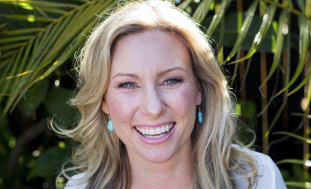 Justine Damond, 40, kuoli viime viikonloppuna, kun poliisi ampui hänet kotikadulleen.