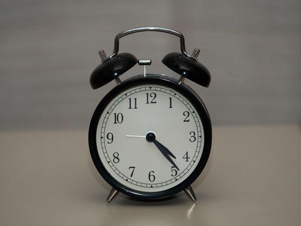 Talviaika olisi suomalaisten mielestä parempi vaihtoehto kellojen jatkuvalle siirtelylle.