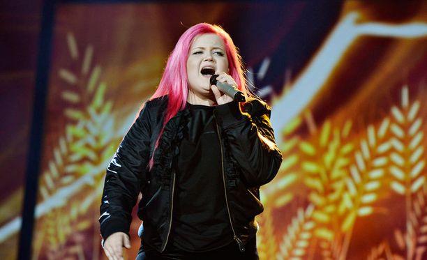 Alma Miettinen saa tulkittavakseen Idols-tuomarin biisin.