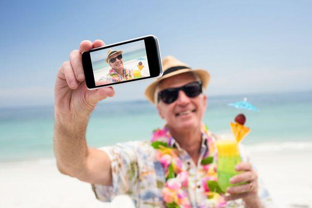 Selfiet ovat myös päässeet matkailijoiden ärsyttävien tapojen listalle.