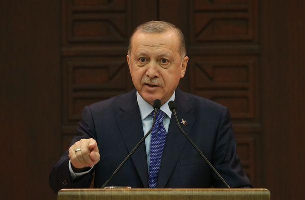 Turkin presidentti Recep Tayyip Erdoğan kertoi maan uusista koronavirustoimista keskiviikkona.