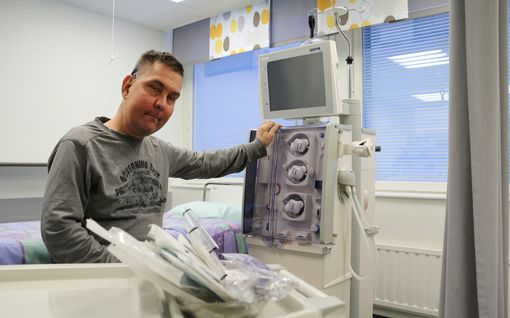 Lapsena Jonille siirretty munuainen lopetti toimintansa – Nyt hän käy tunteja kestävässä hoidossa, koska se on ainoa tapa säilyä hengissä