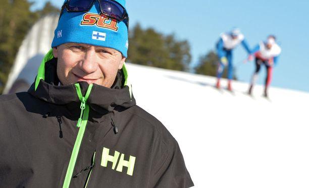 Toni Roponen siirtyy Discovery Networks Finlandin tv-kanavien kestävyysurheilulajien asiantuntijakommentaattoriksi MTV:ltä.