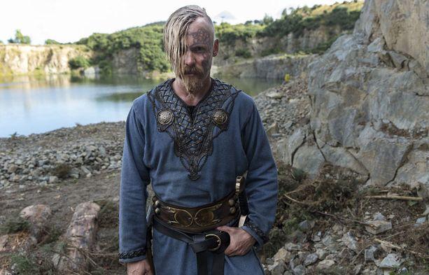 Jasper Pääkkönen esittää Halvdan Mustaa.