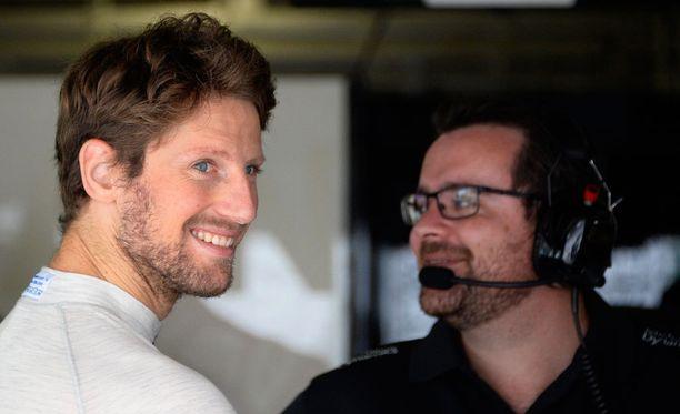 Romain Grosjean (vasemmalla) on Haas F1:n ensimmäinen kuljettajakiinnitys.
