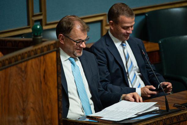 Juha Sipilän (kesk, vas.) hallitukselle sote-uudistuksen läpimeno olisi muhkea meriitti.