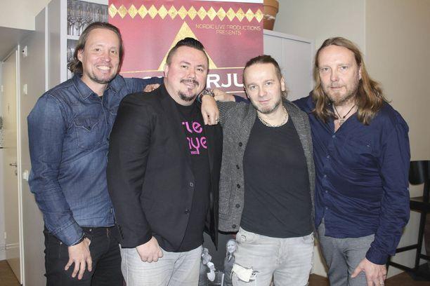 Lenni Paarma (vas.), Antero Naali, Osku Ketola ja Simo Ralli palaavat keikkalavalle. Elonkerjuu soitti edellisen virallisen live-keikan kesällä 2015.
