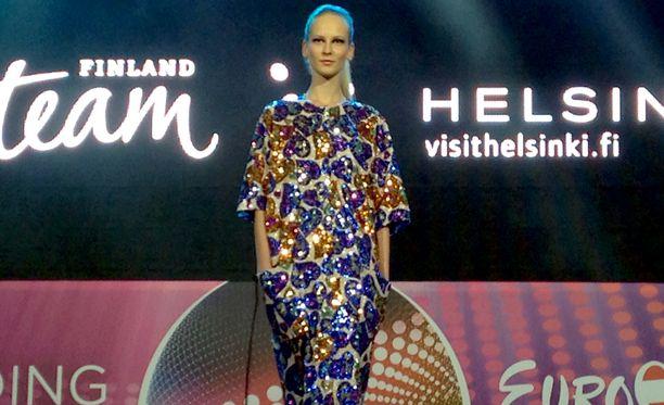 Paola Suhosen luoma mallisto sai ihailevia suosionosoituksia Itävallan illassa.