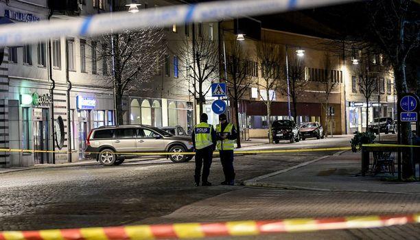 Poliisi pysäytti iskun tekijän ampumalla 18 minuuttia ensimmäisen hälytyksen jälkeen.