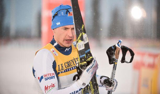 Anssi Pentsinen oli Rukan maailmancupin aika-ajon kakkonen, mutta putosi jatkosta puolivälierissä. Iltalehden asiantuntijan Toni Roposen mielestä Pentsinen suli totaalisesti ylämäkeen.