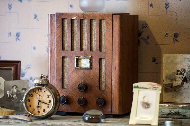 Moneen kotiin hankittiin radio 30-luvulla, että sen kautta päästäisiin seuraamaan Berliinin olympialaisia.