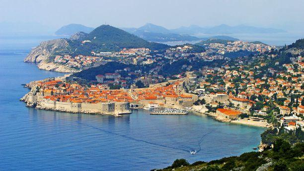 Adrianmeren maisemat ja historiallinen vanhakaupunki ovat Dubrovnikin vetonauloja.