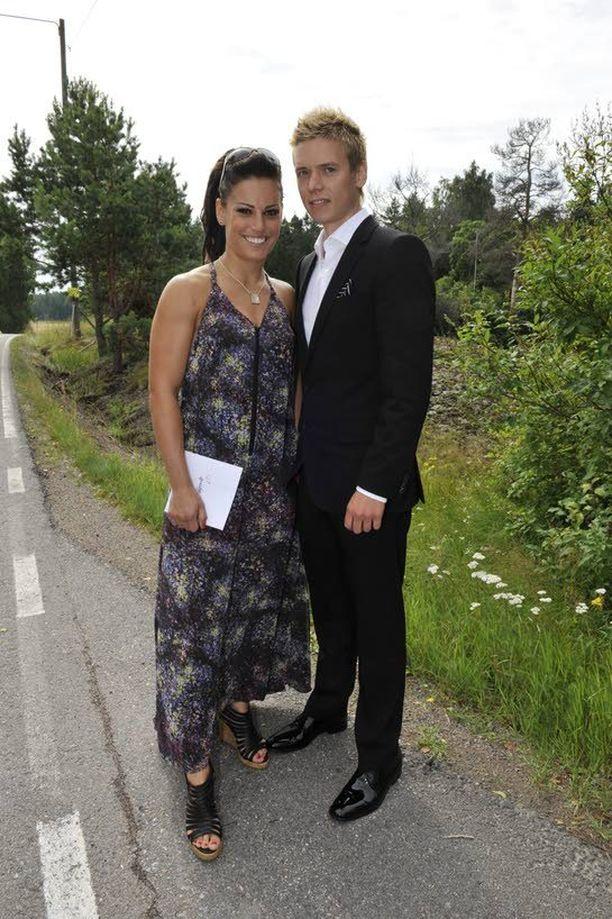 Eva Wahlström ja Pekka Kaislama vuonna 2011. Eva haluaa vastaisuudessakin keskittyä vain nyrkkeilyyn.