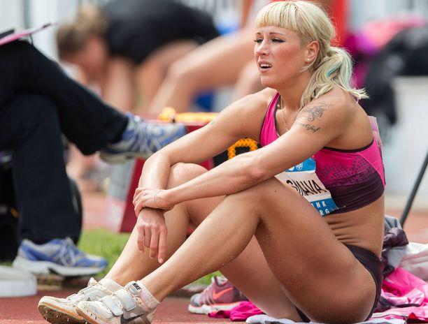 Jana Maksimova ei aio palata perheineen Valko-Venäjälle.