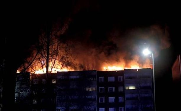 Kerrostalo paloi Riihimäellä viime yönä.
