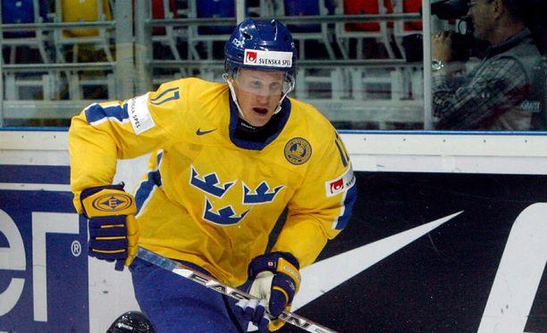 Jonathan Hedström muistetaan Tre Kronorin kovaotteisena ärsyttäjänä.