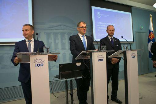 Hallituksen budjetin infotilaisuus. Kuvassa Juha Sipilä, Petteri Orpo ja Sampo Terho