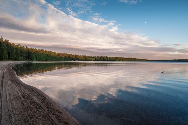 Nurmijärven Sääksjärvi on ihanan kirkasvetinen.