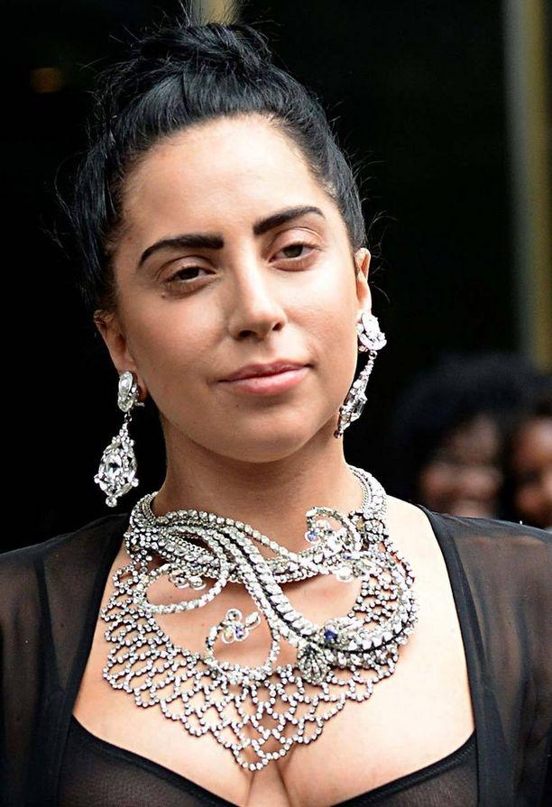 Kuin eri nainen! Tässä lookissa artisti nähtiin vastikään.