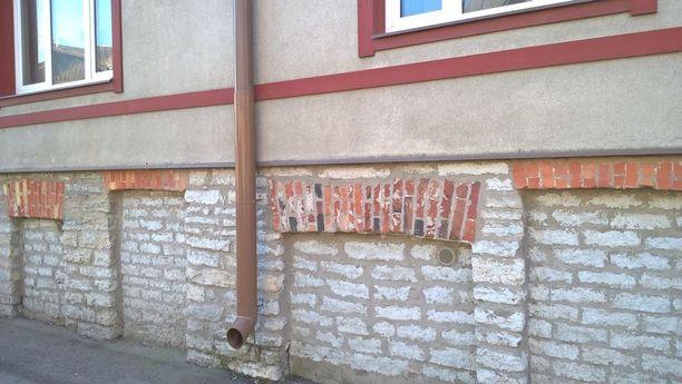 Umpeen muurattu kellari Tallinnassa.