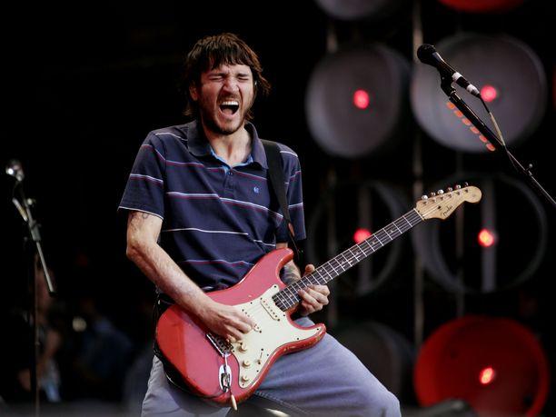 Kitaristi John Frusciante palaa Red Hot Chilli Peppersiin.