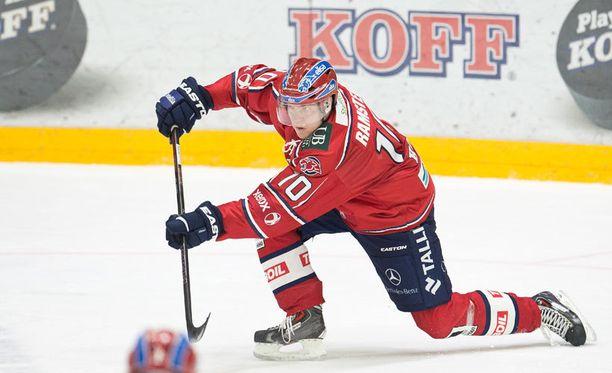 Teemu Ramstedt syötti kolme maalia Ilvestä vastaan.
