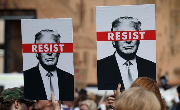 Trumpin vastaisia mielenosoituksia Edinburghissa heinäkuussa.