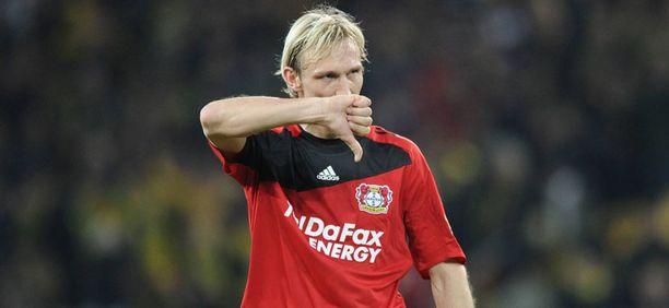 Sami Hyypiä jatkaa Leverkusenissa valmennuspuolen tehtävissä.