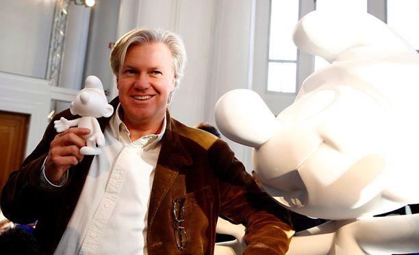 Smurffien isän, taiteilija Peyon poika Thierry Culliford tyrmää kohukirjan väitteet.