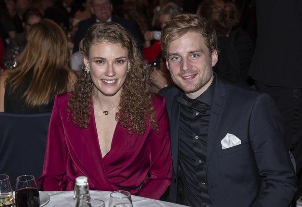 Hanna Öberg ja Jesper Nelin edustivat yhdessä Ruotsin urheilugaalassa tammikuussa 2019.