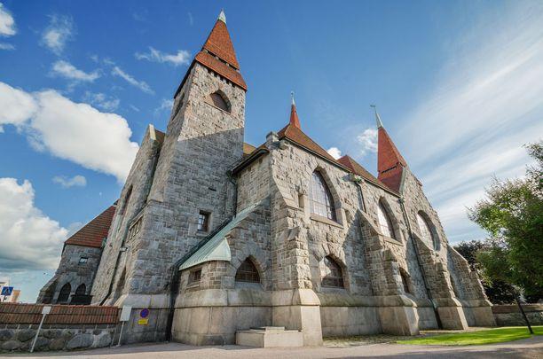 Katedraalin maalaukset ovat tutustumisen arvoisia.
