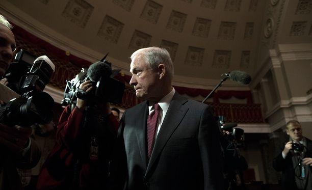 Jeff Sessions, oikeusministeri myrskyn silmässä.