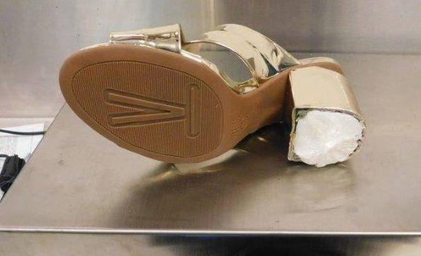 Kengän koroissa oli 756 grammaa kokaiinia.