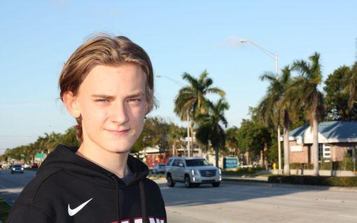 """MTV: Leo Harkimoakin, 19, on koulukiusattu – """"Kun Jokerit hävisi, en oikein uskaltanut mennä kouluun"""""""