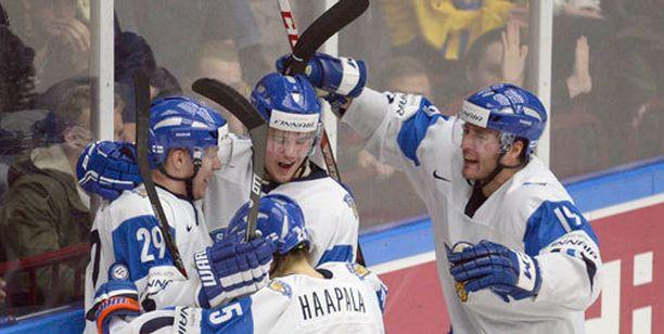 Suomi pelaa sunnuntaina maailmanmestaruudesta!