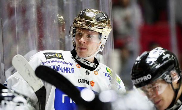Mika Pyörälä paukutti viiden pisteen illan Raumalla.