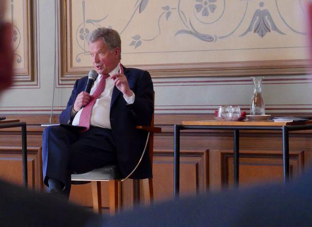 Presidentti Niinistö nosti esiin keskustelussa myös suoranaisen vääristelyn, josta hän kertoi itselläänkin olevan kokemusta.