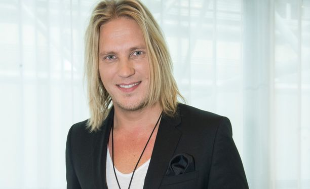 Ohjelmaa on juontanut kaksi kautta Sami Kuronen.