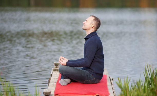 Mindfulness-harjoitus pyrkii hyväksyvään läsnäoloon, jossa opitaan nauttimaan nykyhetkestä.