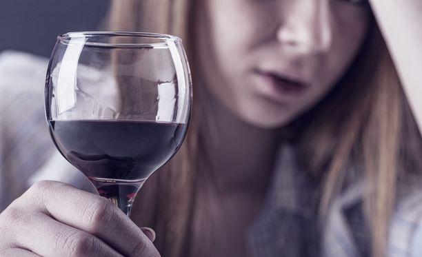 Vaikeat vieroitusoireet kertovat yleensä enemmän juomisen määrästä kuin kestosta.