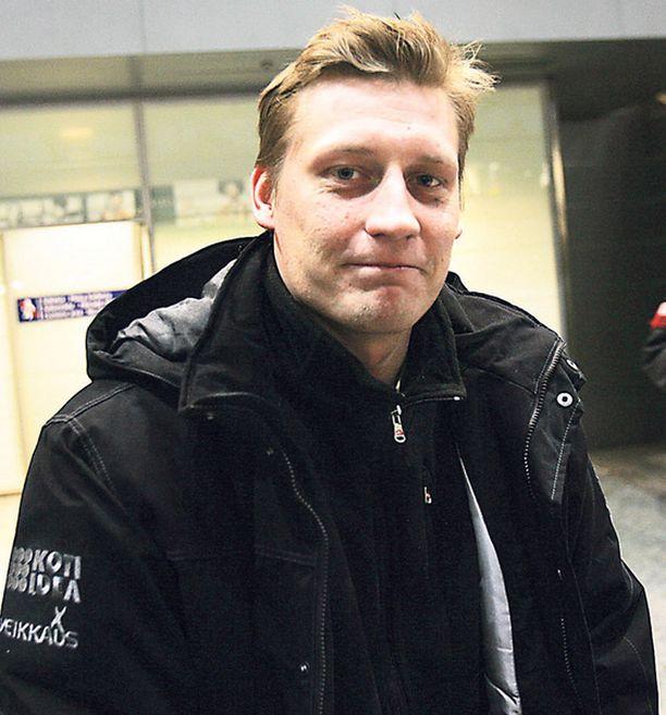 Mäkiviikolta palanneella valmentaja Nikusella oli syytä hymyyn.