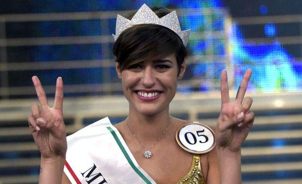 Alice Sabatini kruunattiin Miss Italiaksi viime sunnuntaina, 20. syyskuuta.