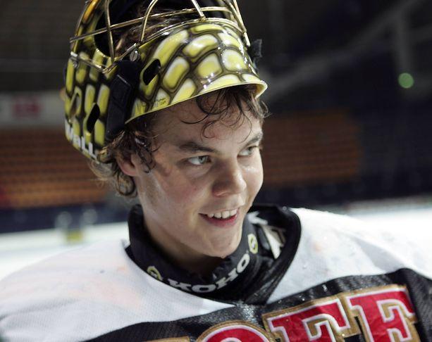 Tältä nuori ja lupaava Tuukka Rask näytti vuonna 2005, 18-vuotiaana.
