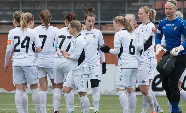 Honka on naisten jalkapallomestari 2017. Arkistokuva.